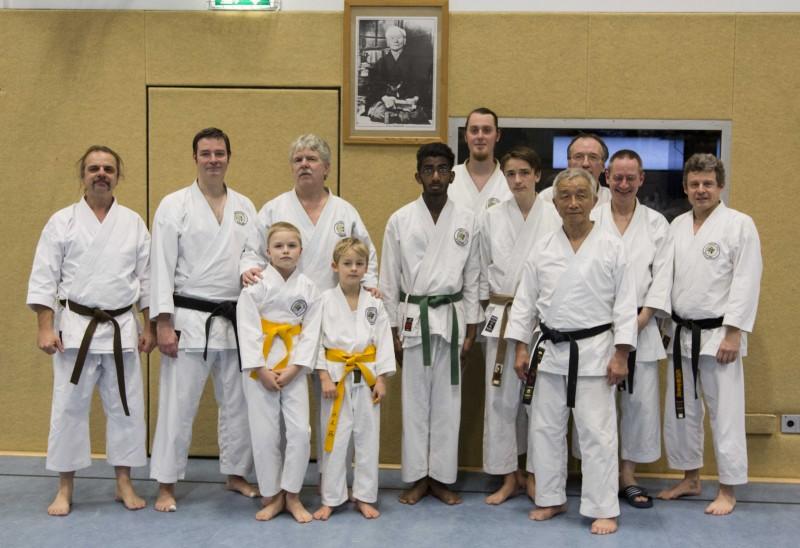 Karateverein Wakayama mit Shihan Nagaki