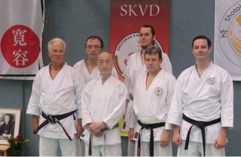 Sensei Flindt und Shihan Abe mit Teilnehmern des Karateverein Wakayama Bad Oldesloe