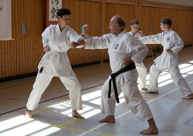 Gohon Kumite Übung im Karateverein Wakayama